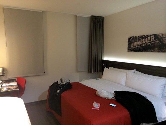 Hotel Berlin Mitte By Melia: Sovrummet