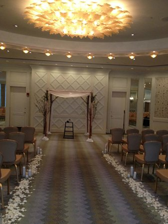 Four Seasons Hotel Boston : Governor's room perfect place for ceremony