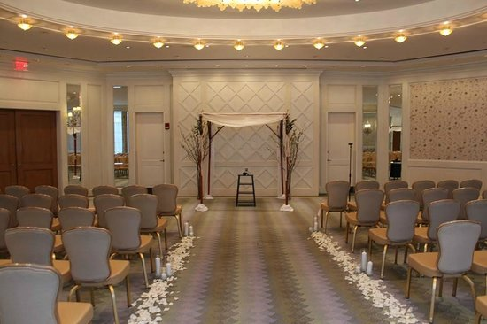 Four Seasons Hotel Boston: governors room set for wedding