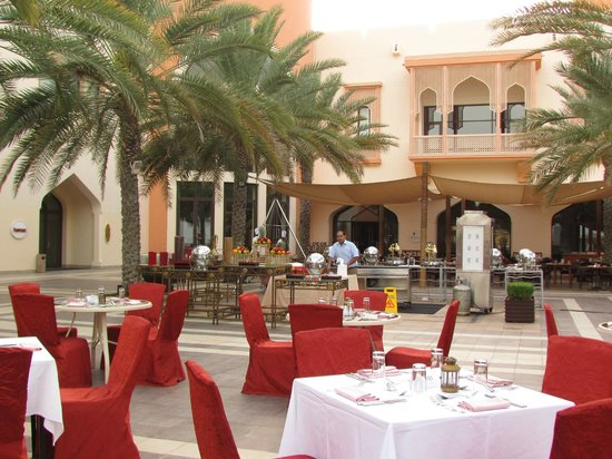 Shangri La Barr Al Jissah Resort & Spa-Al Bandar : restaurant
