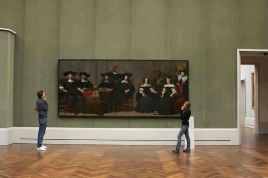 Gemäldegalerie: admiring the works