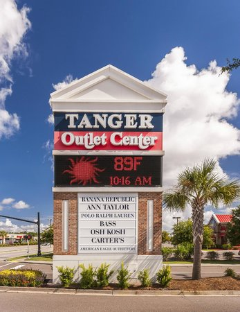 Quite Good Variety Of S Very Few Restaurants Tanger Outlets North Charleston Traveller Reviews Tripadvisor