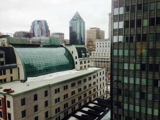 Sheraton Le Centre Montreal Hotel: View from gym