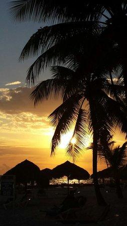 Viva Wyndham Dominicus Beach: Il tranonto...stupendo!