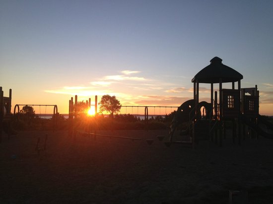 Bar Harbor Campground : sunrise over the play ground