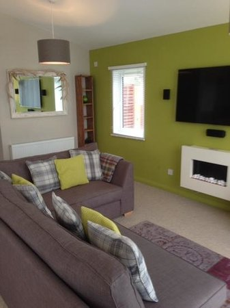 Erigmore: living room