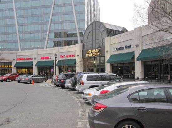Holiday Inn Alexandria at Carlyle: Restaurants at Hoffman Centre across the street from the hotel