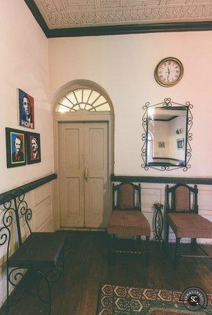 The Dak Hermitage: Hall