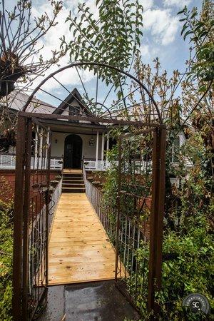 The Dak Hermitage: The entrance..