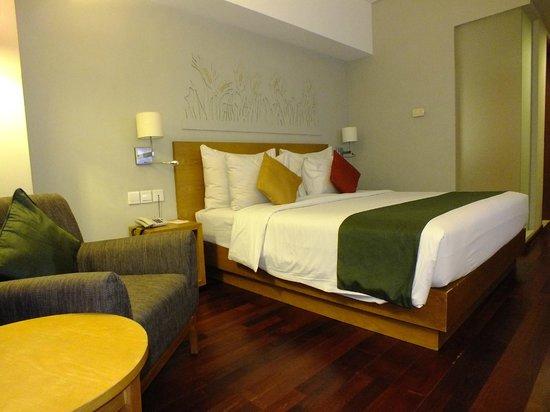 Mercure Bali Harvestland Kuta: confi bed