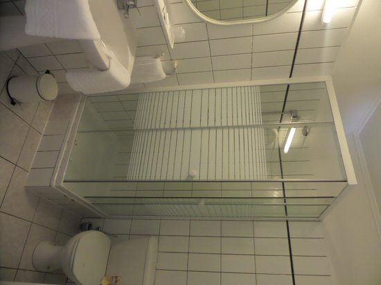 Il Piccolo Mondo: Bathroom