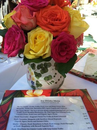 The Ivy : table centerpiece