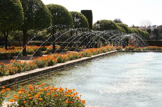 Alcazar de los Reyes Cristianos: Wasserlandschaft im Garten des Alcazar