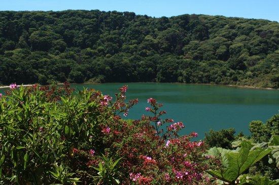 Poas Volcano : Lake on the hike