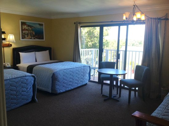 Inn By The Bay Monterey : 2 queen size beds