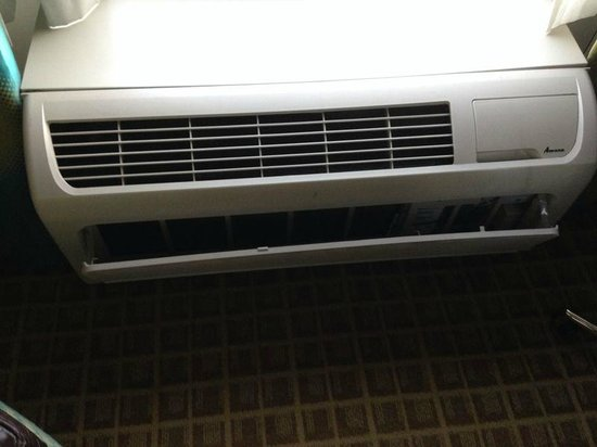Holiday Inn Sarasota - Airport : A/C