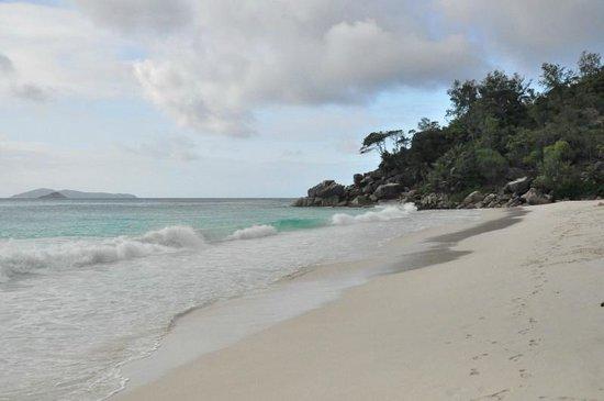 Anse Georgette - il percorso sul golf per la spiaggia