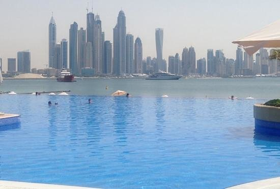 Movenpick Ibn Battuta Gate Hotel Dubai: The view from the linked Oceania Beech Resort