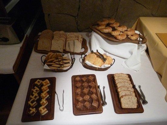 Terrazas del Calafate Hotel : Desayuno abundante y fresco