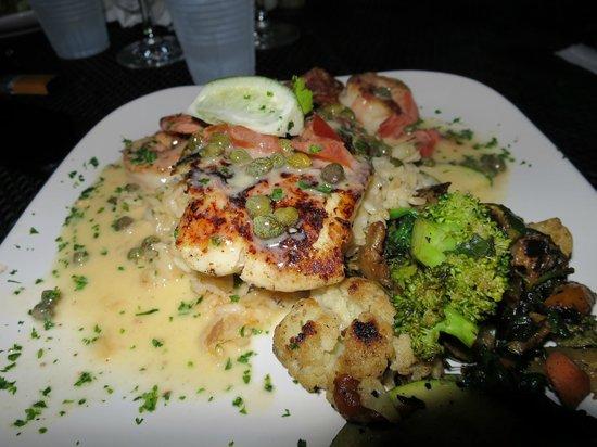 Grunts Bar: Grunts - red snapper and grilled shrimp