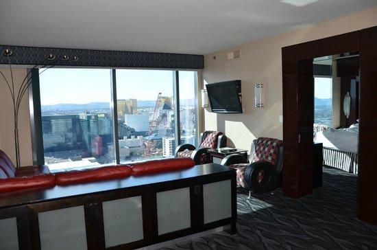 Elara by Hilton Grand Vacations: front room