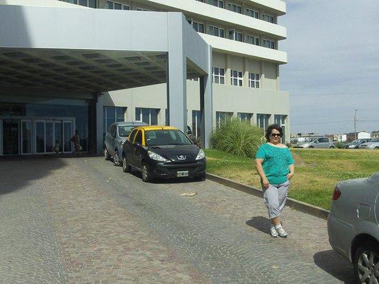 Rayentray Puerto Madryn Hotel: Entrada Hotel Rayentray