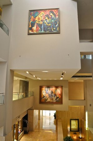 The Lalit New Delhi: Beautiful artwork througout hotel