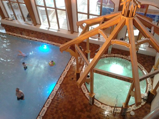 Bavarian Inn Lodge: Looking down on one of the pools and hot tubs