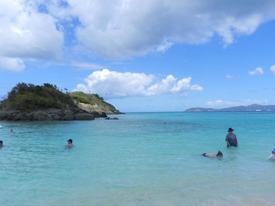 Tourquoise seas to snorkel in at Trunk Bay