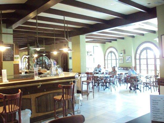 Hotel Huerta Honda: Bar-cafetería.