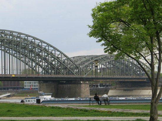 Sonata Hotel: Hohenzollern Bridge