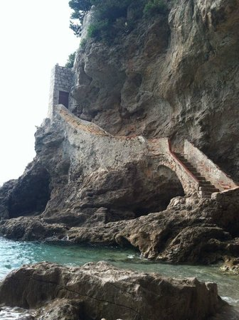 Adventure Dalmatia - Day Tours: View from the cove - cool staircase in the wall!