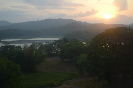 Gamboa Rainforest Resort: sunrise off my balcony