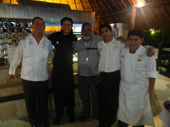 Laguna Suites Golf & Spa: La gente de Cocina