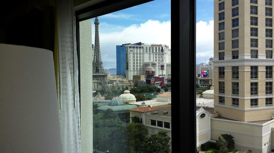 Caesars Palace: day time view of strip