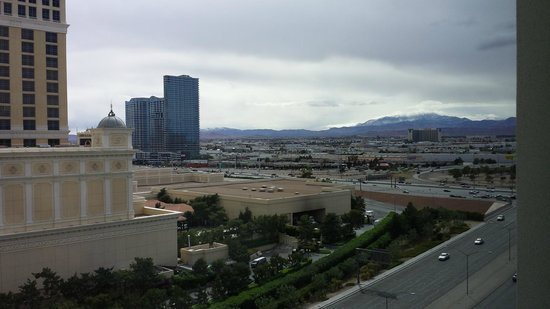 Caesars Palace : day time view towards mountain