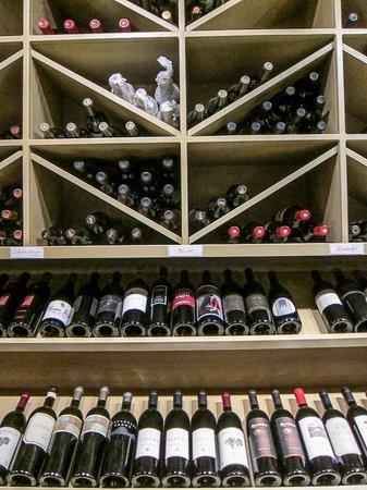 Los Olivos Wine Merchant & Cafe: Los Olivos Wine Merchant