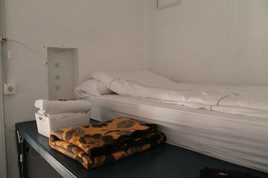 Córdoba Bed and Be: Mi cama (Jose nos dejó mantas aparte de los nórdicos pero no nos hicieron falta)