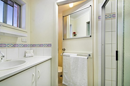 Maleny Hills Motel: Bathroom