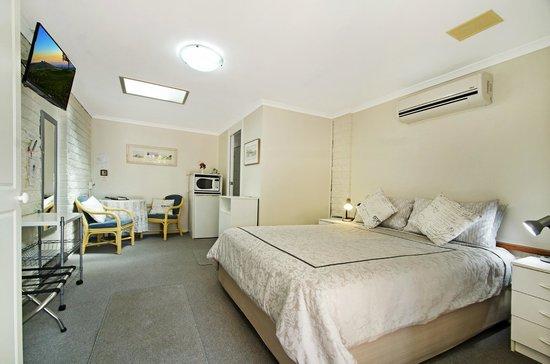 Maleny Hills Motel: Room