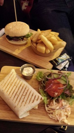 The Hatless Heron: Nice Burger and the special home made chilli con carne wrap