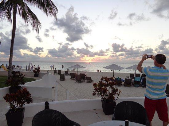 Regal Beach Club: Beautiful Sunsets