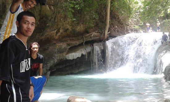 Aguinid Falls: Aguinid Waterfalls