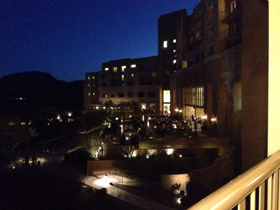 JW Marriott Tucson Starr Pass Resort & Spa: Night view