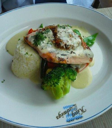 King Ludwigs German Restaurant & Bar : Trout....yum