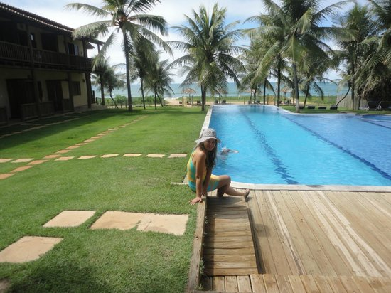 Pousada Praia das Ondas : Piscina com borda infinita....maravilhosa!