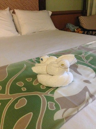 Disney's Polynesian Village Resort : Towel animal post rain poncho discovery