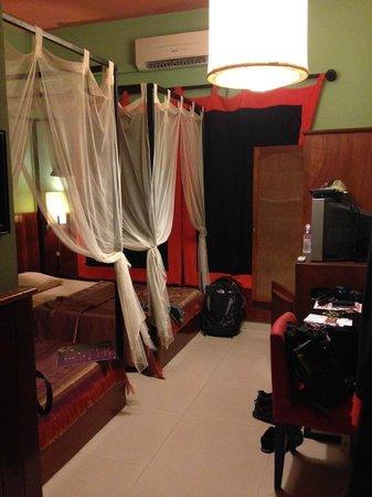 Golden Temple Villa: Room