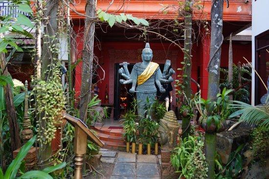 Golden Temple Villa: Hotel