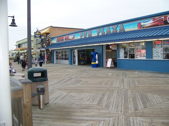 Boardwalk side of the Fun Plaza